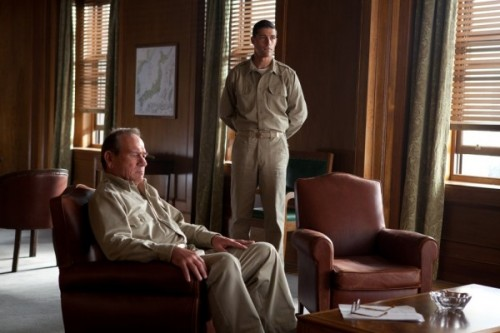 Tommy-Lee-Jones-and-Matthew-Fox-in-Emperor-2012-Movie-Image-600x400