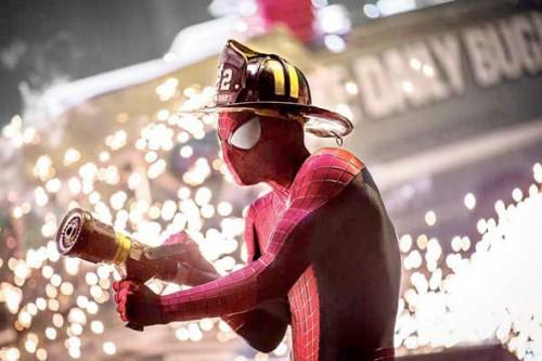 amazingspiderman2-firefightingspidey-full